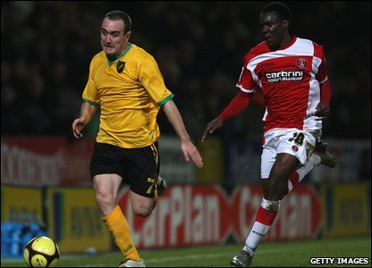 Lee Croft (L) and Lloyd Sam