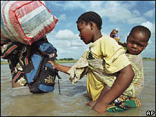 Flood victims in Mozambique (Archive picture)