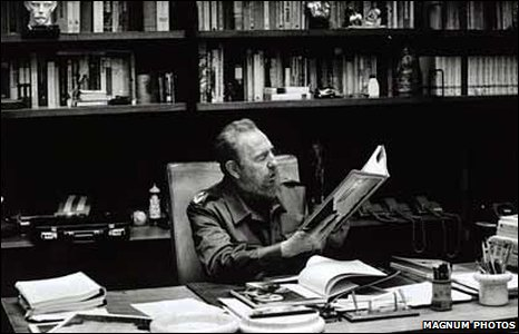 Castro in his office, 2001