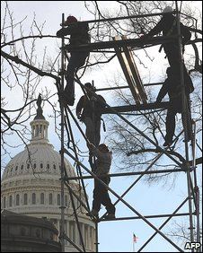 Preparations in front of the US Capitol building (14 January 2009)