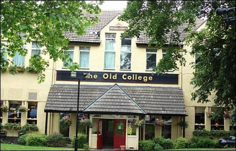Old College Inn, Barry