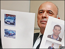 Vienna police showing pictures of arrested man and get-away car, 15 Jan 09