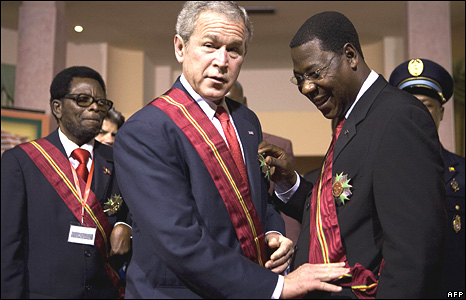 George W Bush with Benin President Thomas Yayi Boni in Benin in February 2008