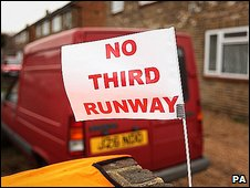 A flag saying no to a third runway in the village of Sipson