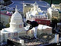 Maqueta del escenario de la juramentación presidencial en Washington