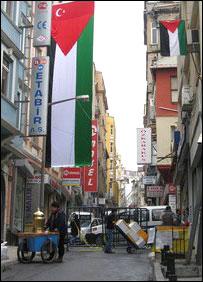 أحد شوارع أسطنبول قرب كنيس يهودي