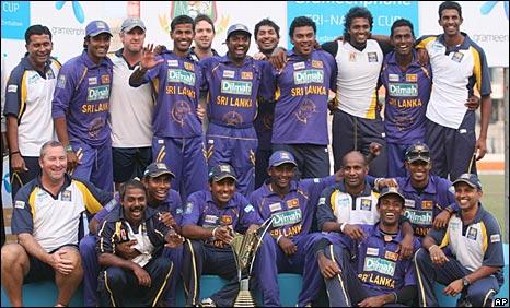Sri Lanka celebrate after winning the tri-series