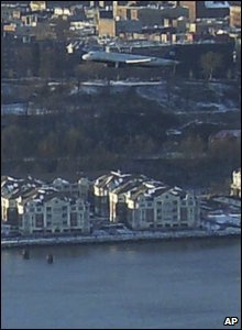 The A320 plane above the Hudson River
