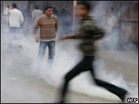 Protesta palestina cerca del punto de control de Qalandia, en Cisjordania