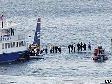 Passengers await rescue on Hudson river
