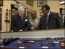 Chief Mangosuthu Buthelezi (right) (picture: Ministry of Defence)