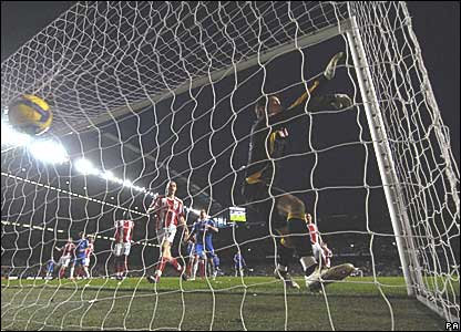 Jose Belletti scores for Chelsea