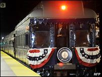 Поезд, в котором путешествует Барак Обама
