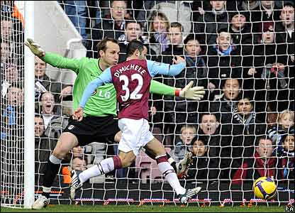 Mark Schwarzer, Fulham; David Di Michele, West Ham United