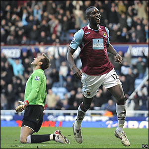 Mark Schwarzer, Fulham; Carlton Cole, West Ham United