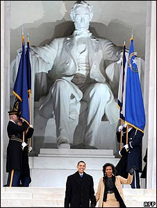 US President-elect Barack Obama and his wife Michelle in front of the Lincoln Memorial