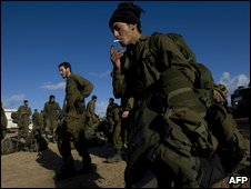 Israeli soldiers preparing to leave Gaza - photo 18 January