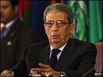 عمرو موسى خلال الاجتماعات التحضيرية