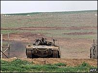 Tanque israel� sale de la Franja de Gaza