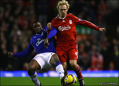 Victor Anichebe and Sami Hyypia