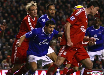 Tim Cahill equalises at Anfield with Skrtel nowhere in site