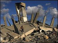 مبنى مدمر في مخيم جباليا