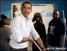Barack Obama helps decorate a Washington community centre, 19 January