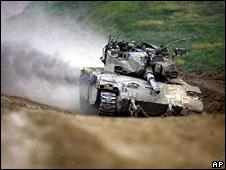 Israeli tank on the Israel-Gaza border (20 January 2009)
