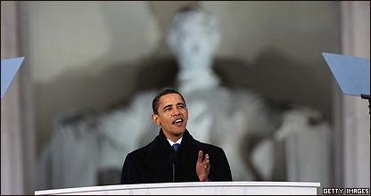 Obama, con la estatua de Abraham Lincoln a sus espaldas