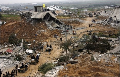 Destroyed street in Ezbat Abed Rabbu area, in Jabaliya, northern Gaza (20/01/2009)