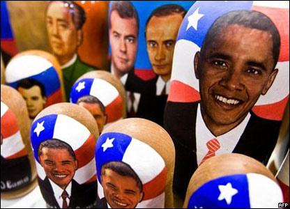 Матрешки с изображением Обамы и других лидеров