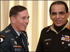 Gen David Petraeus (left) and Gen Ashfaq Kayani