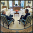 Джордж Буш и Барак Обама в Овальном кабинете Белого дома