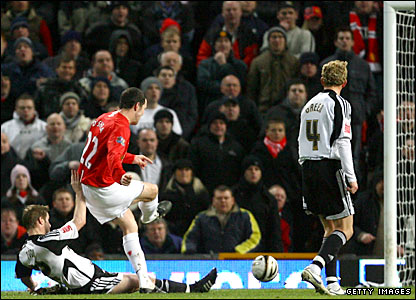 John O'Shea scores Man Utd's second