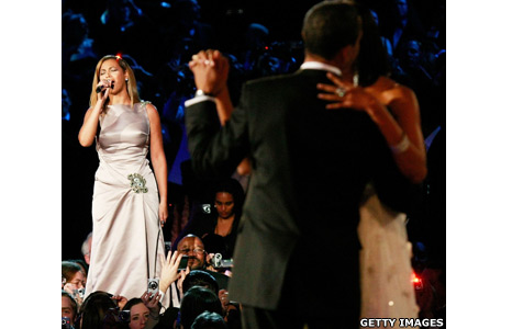Beyonce singing to the Obamas