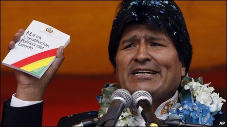 Evo Morales with a copy of the draft constitution, 20 January 2009