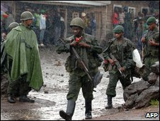 Ex-CNDP soldiers pass through a government check point on the edge of Goma on 20 January 2009