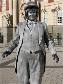 Gavin and Stacey: Ruth Jones as Nessa, as a living statue in Barry's King Square