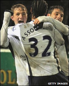 Roman Pavlyuchenko celebrates the goal which salvaged Spurs' Carling Cup campaign