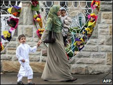 Muslim mother and two children, Lakemba Mosque Sydney, Nov 06