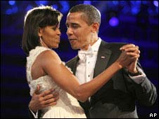 President Barack Obama and his wife Michelle dance at the inaugural ball