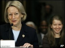 Mary Schapiro at the Senate Banking Committee hearing in Washington, 15 Jan2009