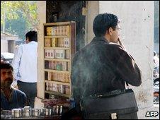 Man smoking in Delhi