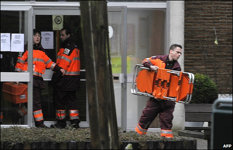 Rescue workers at the Dendermonde creche.