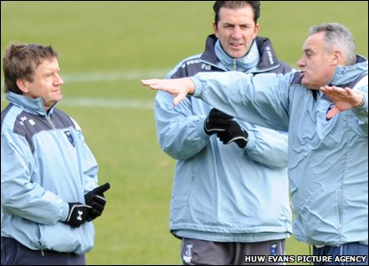 Dave Jones explains his theory on how Cardiff City might beat Arsenal in Sunday's FA Cup fourth-round clash at Ninian Park.