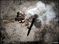 Alleged burning lump of white phosphorous at the UN's headquarters in Gaza (20 January 2009)