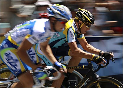 Armstrong briefly takes the lead in the final stage but has to settle for 29th overall