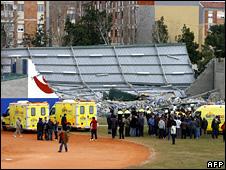 Collapsed sports hall in Sant Boi de Llobregat (24 January 2009)