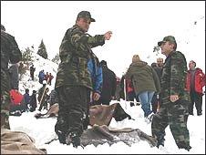 Rescue workers on Mount Zigana, Turkey (25/01/2009)