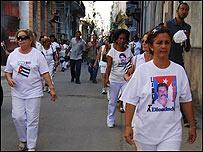 Protesta de las esposas y madres de los presos políticos cubanos / Foto: Raquel Pérez